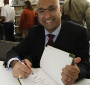 Ali Velshi signs copies of his book, How to Speak Money, at the ASCE bookstore following his keynote address at the ASCE 143rd Annual Conference in Charlotte.