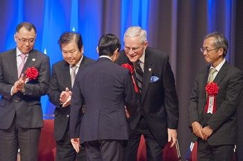 President Robert Stevens receives thanks on behalf of ASCE from Naruhito, the Crown Prince of Japan.