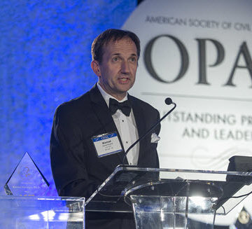 Kornel Kerenyi, Ph.D., M.ASCE, speaks after receiving the Henry L. Michel Award at the 2016 OPAL Awards Gala. Photo by David Hathcox for ASCE
