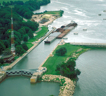 The U.S. Army Corps of Engineers is considering P3 to improve the Illinois Waterway.