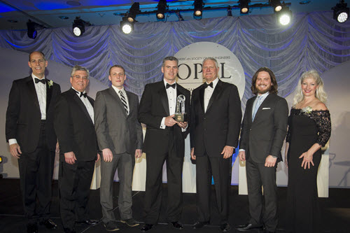 The team behind THUMPR accepts its  Charles Pankow Award for Innovation. Photo: David Hathcox