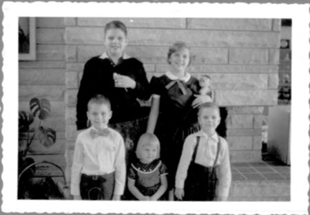 John Craig, top left, with his siblings, Chris, David, Kathy, and George. PHOTO: Chris and Gary Fossett