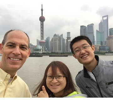 ASCE Executive Director visits with students from Tongji University.